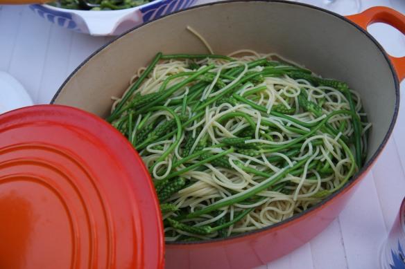 Spaghetti avec les asperges sauvages
