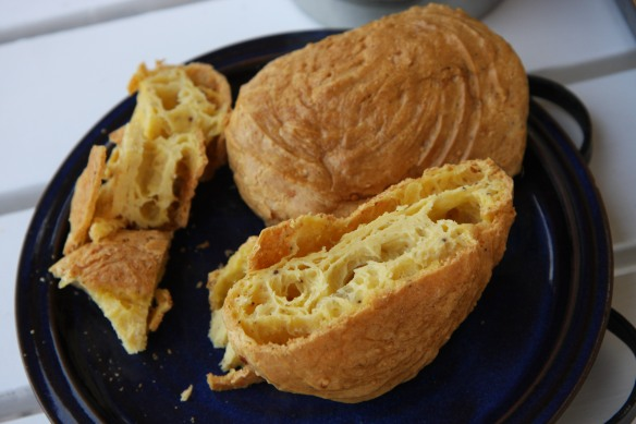 Grujere cheese bread